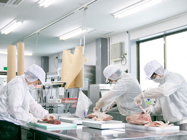 食肉加工卸 自社工場